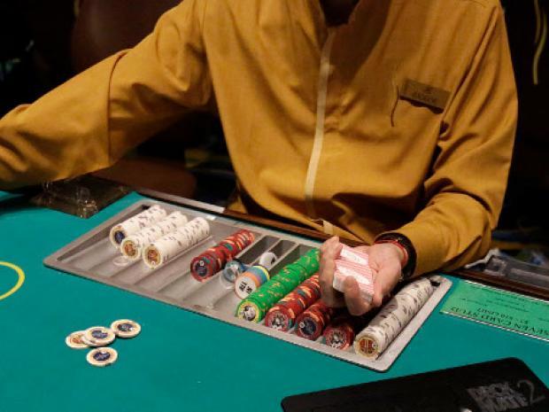 gto_poker_table