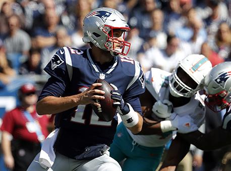 Tom Brady Patriots Dolphins NFL Betting Odds Week 14